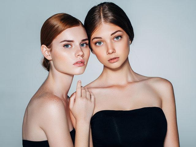 美しい二人の女性